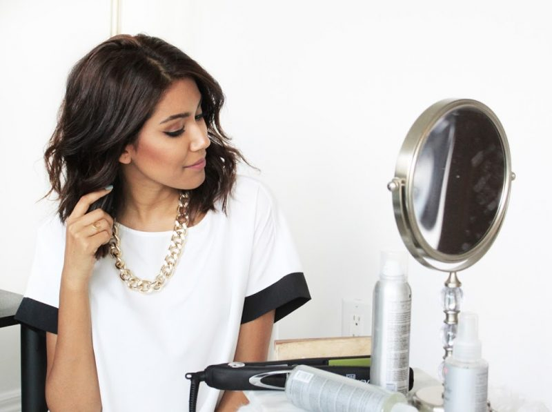 CURLING SHORT HAIR WITH A FLAT IRON