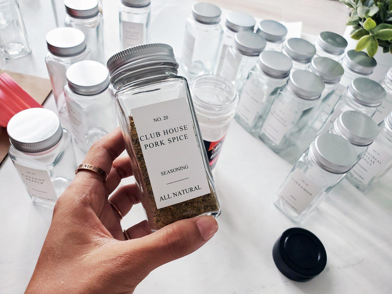 Modern spice jar labels